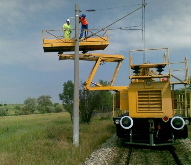 """Traction substation Aldomirovci"""" – """"Suspension of singlemode 24-fibre optical cable on the poles of overhead lines in section Sofia-Dragoman"""