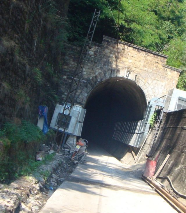"""Main repair of Tunnel № 3, of third main rail line. Subproject: Catenary - Dismantling and assembly"""